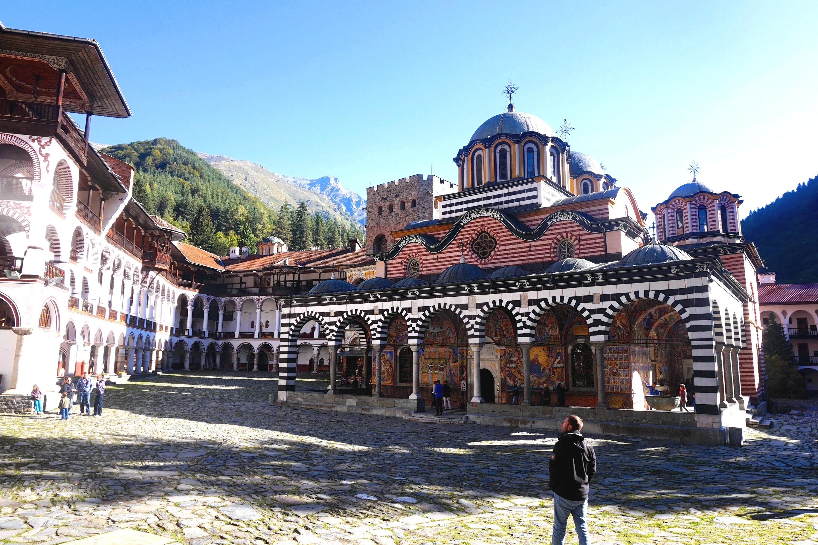 санаторием рильский монастырь болгария фото выглядит, как